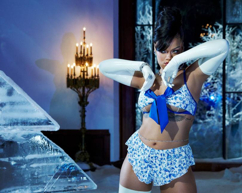 Rihanna Sexy Boobs In Lingerie