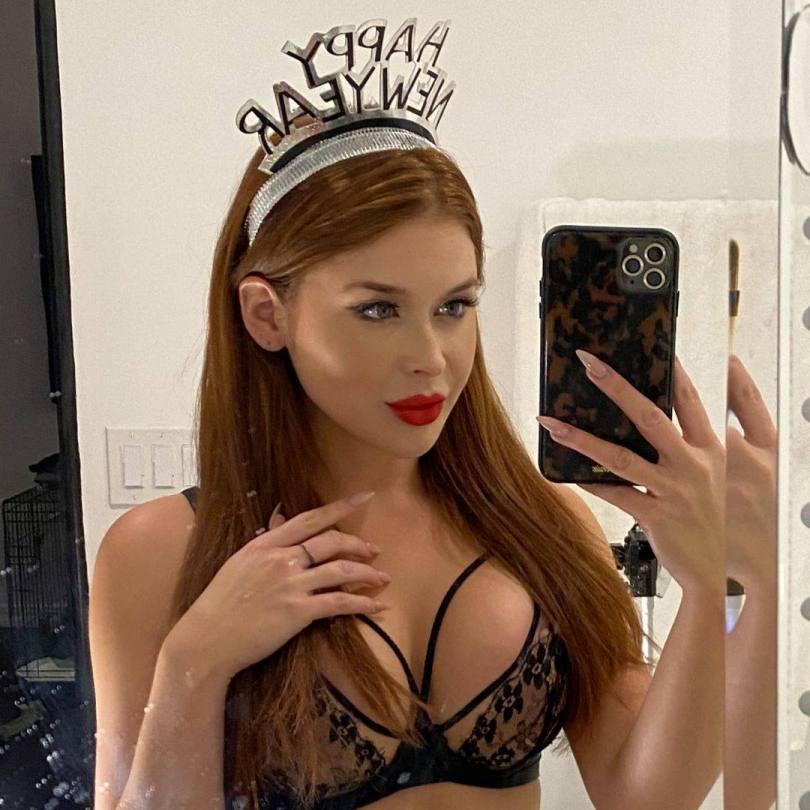 Renee Olstead Sexy In Bra
