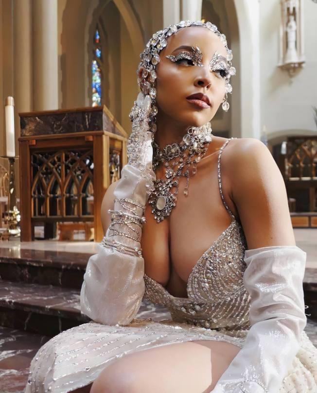 Tinashe Beautiful Boobs