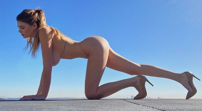 Ashley Tervort – Beautiful Huge Boobs and Ass in a Sexy Naked Photoshoot