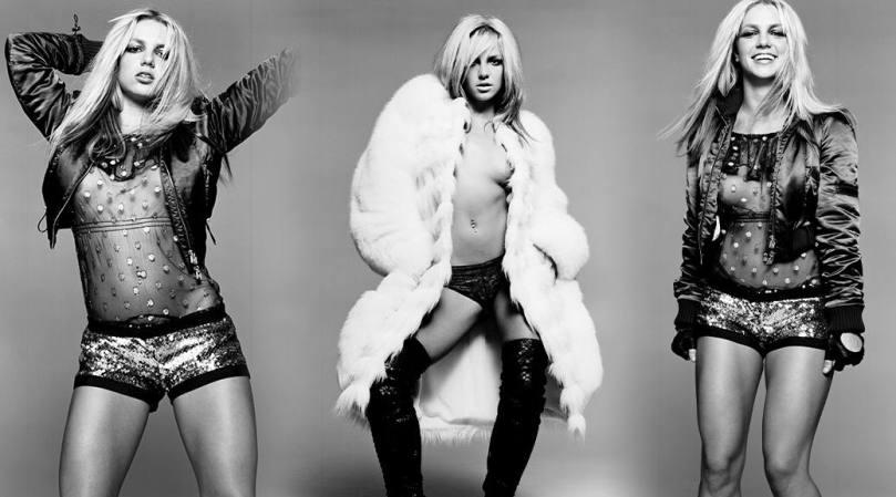 Britney Spears Braless Nipslip