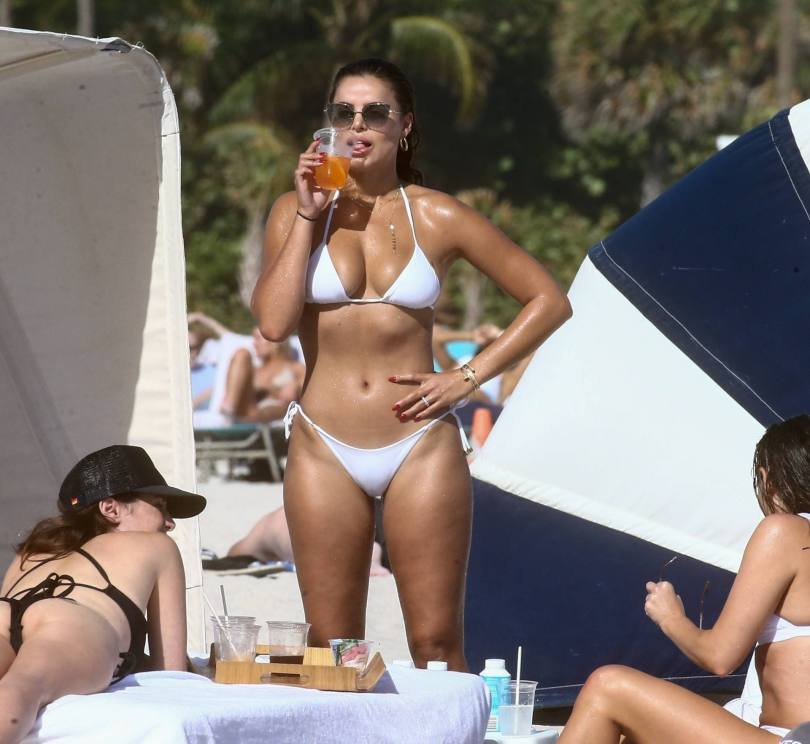 Brooks Nader Hot Body In Bikini