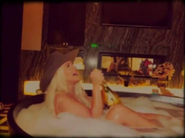 Christina Aguilera In Bath
