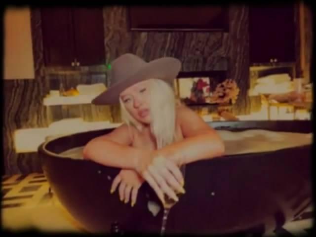 Christina Aguilera In Bath