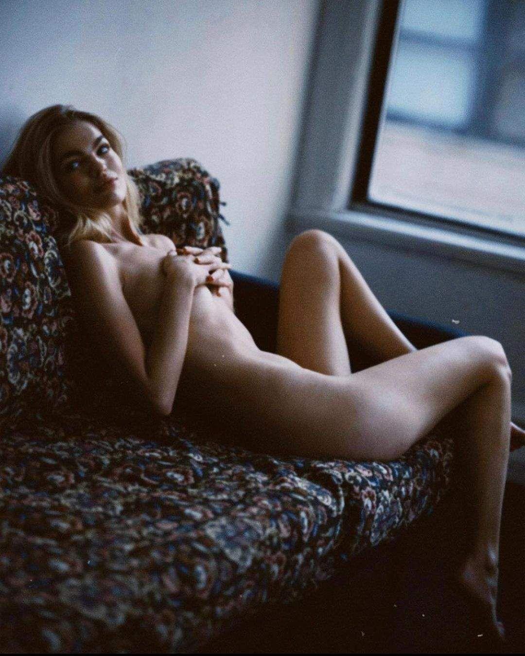 Daphne Groeneveld Nude