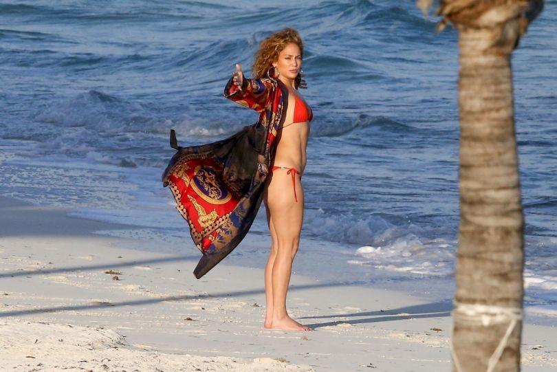 Jennifer Lopez In Red Bikini