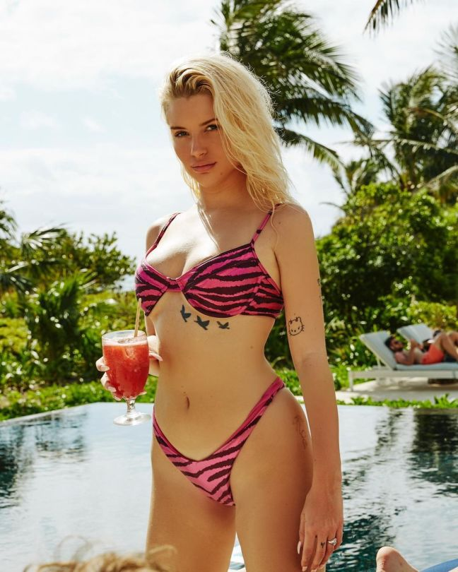 Lottie Moss Hot In Tiny Bikini