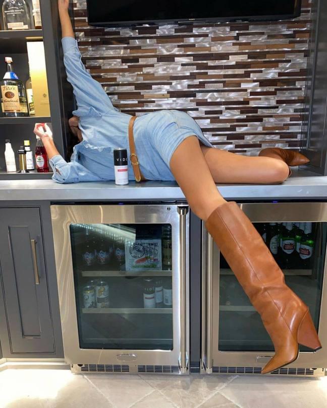 Olivia Culpo Fantastic Legs