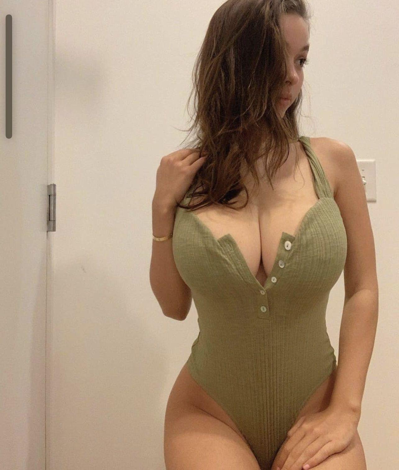 Sophie Mudd Big Breasts