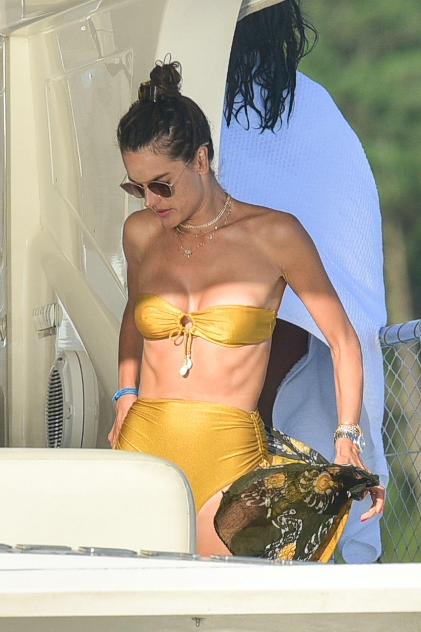 Alexandra Ambrosio Boobs In Bikini