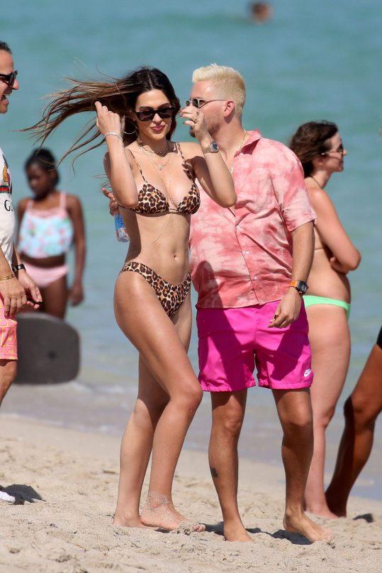 Amelia Hamlin Sexy In Bikini