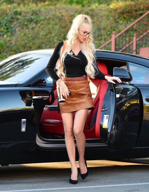 Christine Quinn Sexy Legs