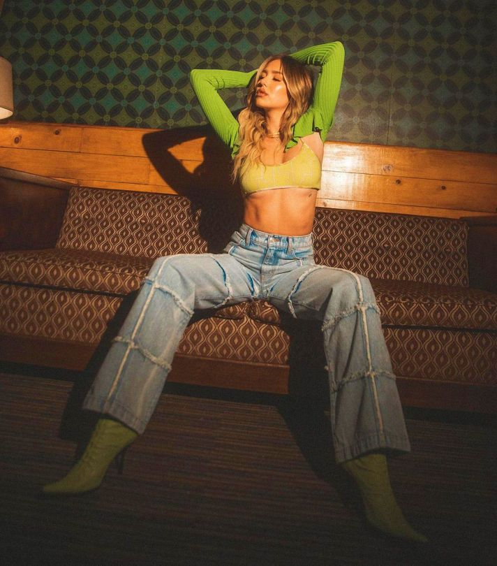 Delilah Hamlin Sexy Photoshoot