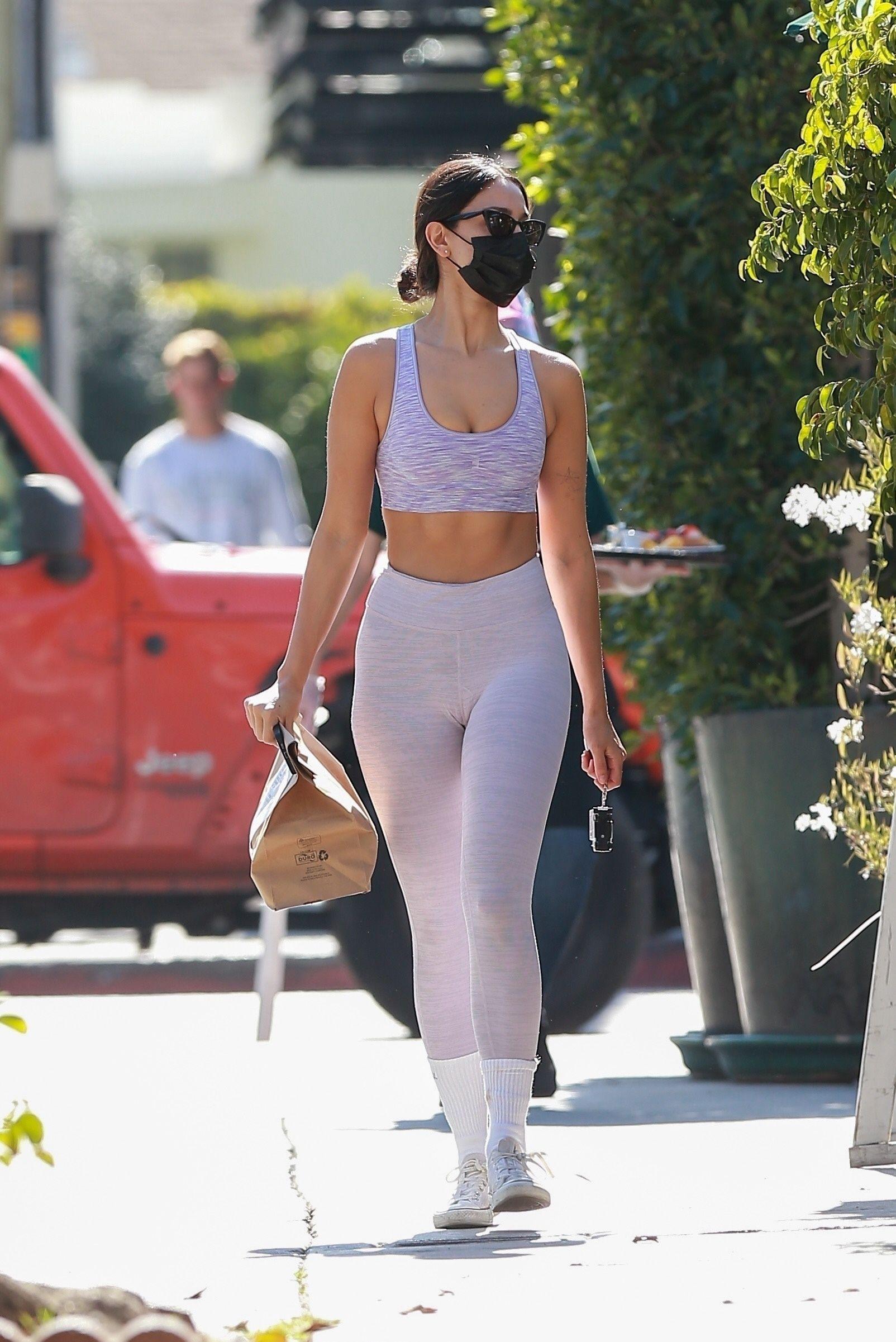 Eiza Gonzalez Beautiful In Leggings