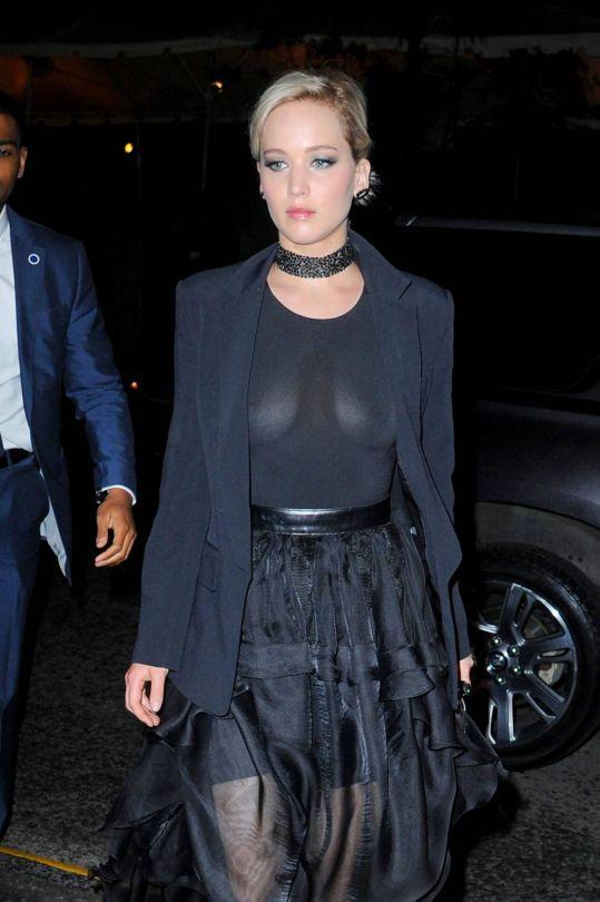 Jennifer Lawrence Braless Boobs