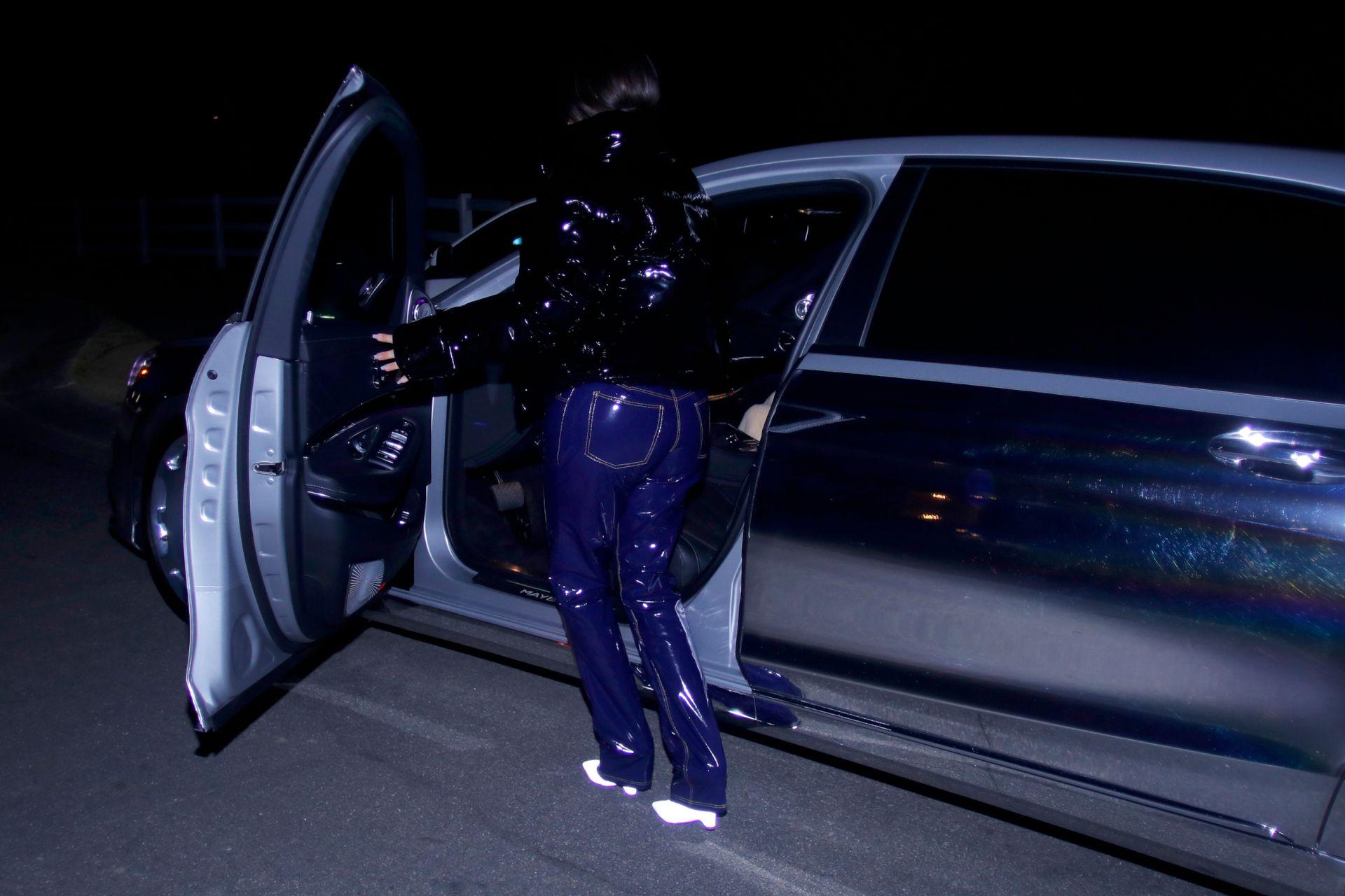 Kim Kardashian Beautiful Braless