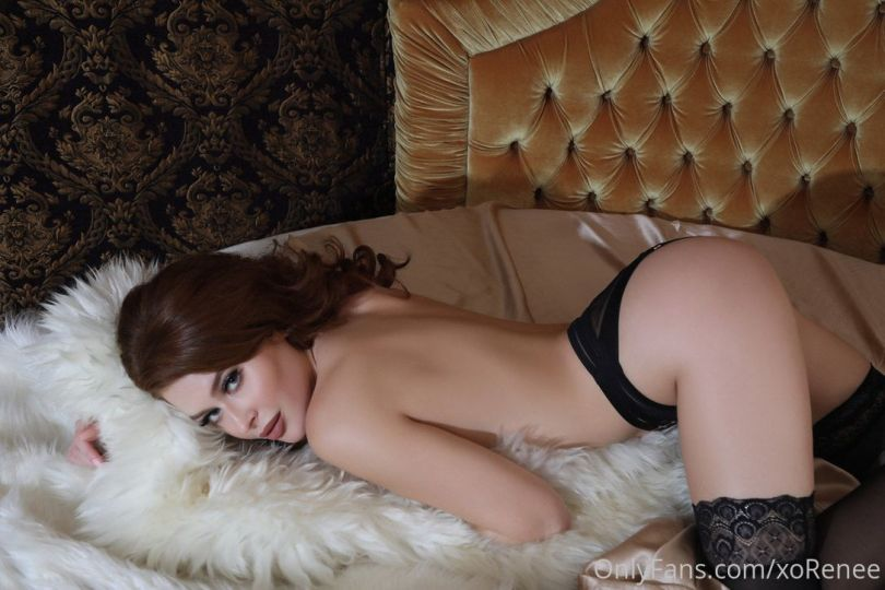 Renee Olstead Topless Boobs