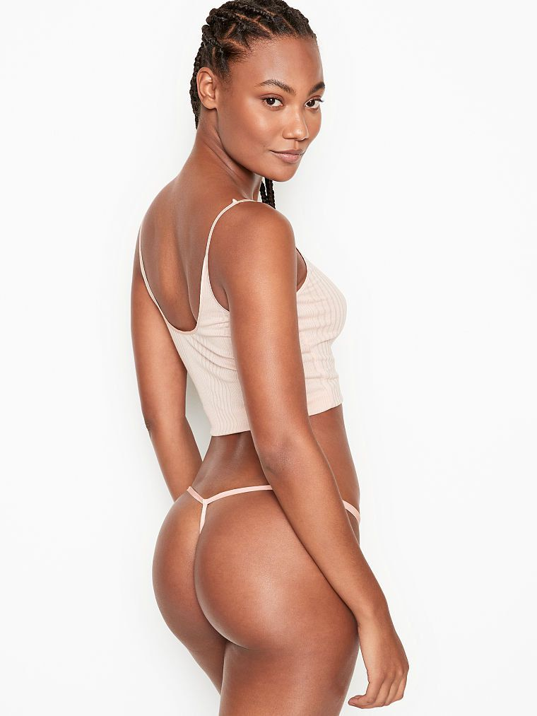 Ange Marie Moutambou Sexy Body