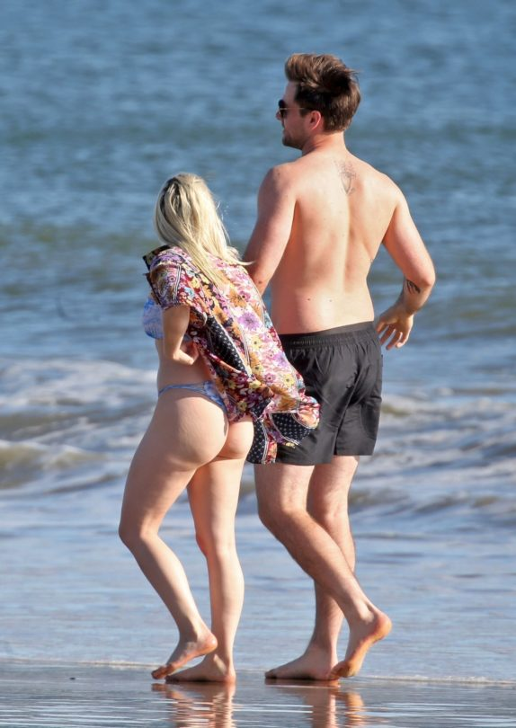 Ariel Winter Big Ass In Thong Bikini