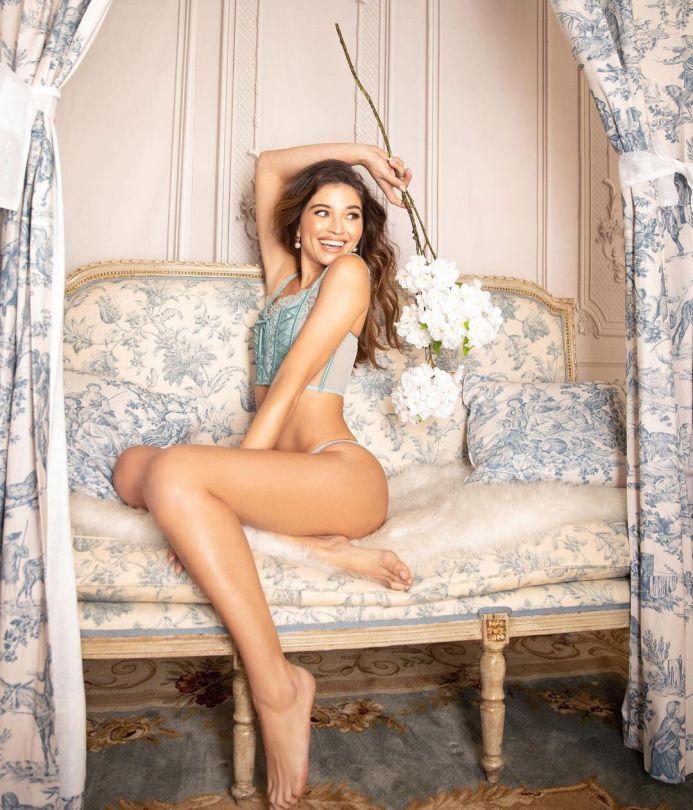 Daniela Lopez Osorio In Lingerie