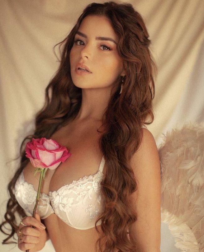 Demi Rose Mawby In Sexy Bra