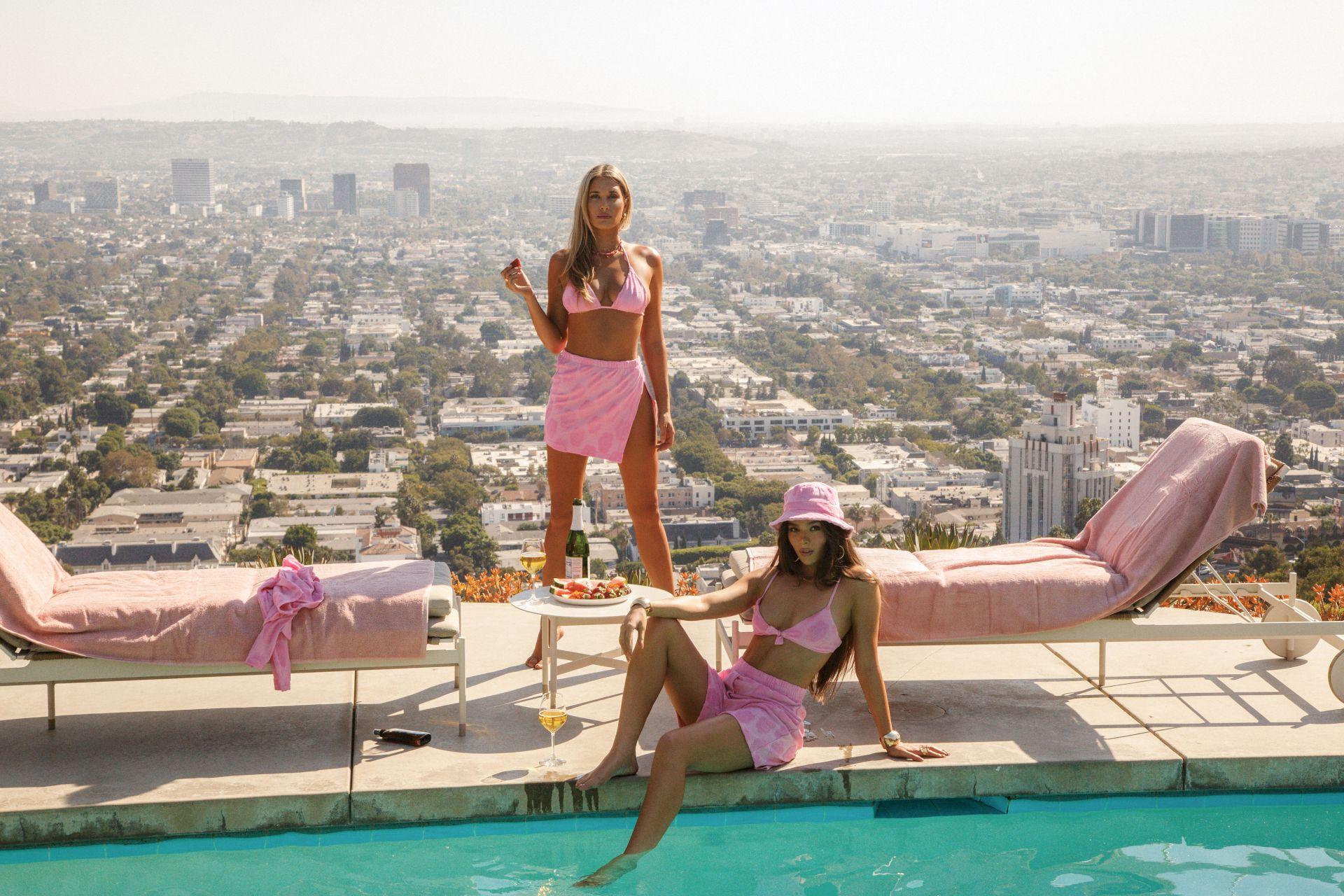 Hailee Steinfeld Sexy Bikini