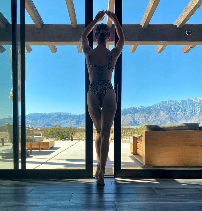 Joanna Krupa Ass In Bikini