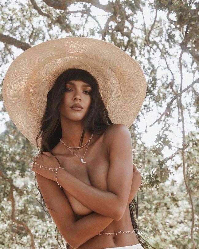 Lais Ribeiro Topless Pics
