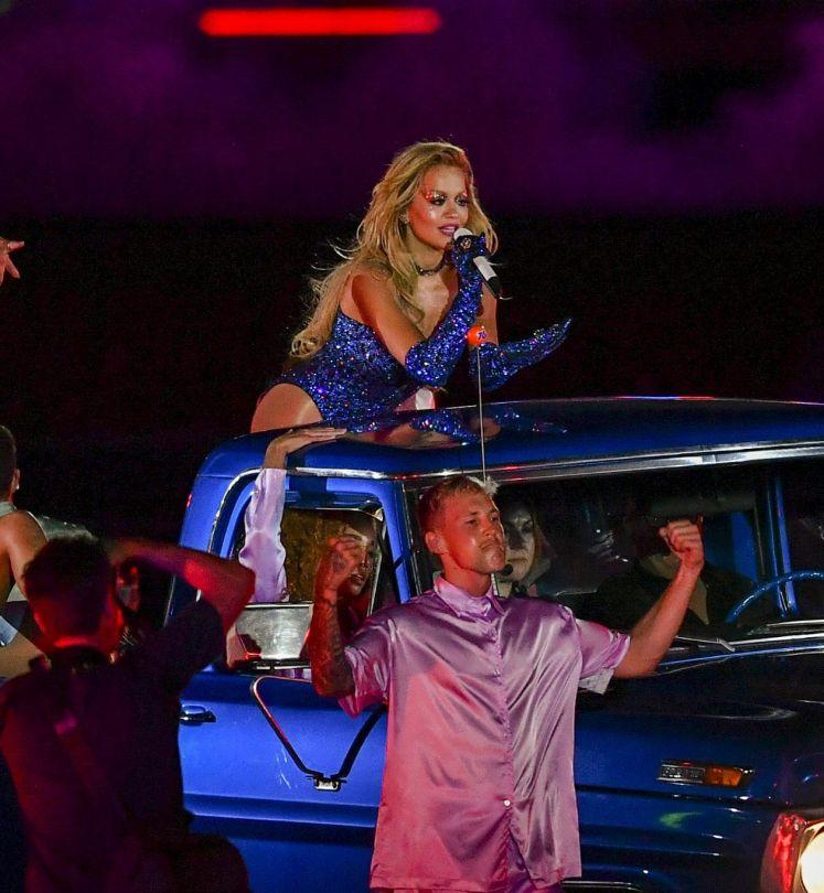 Rita Ora Sexy On Stage