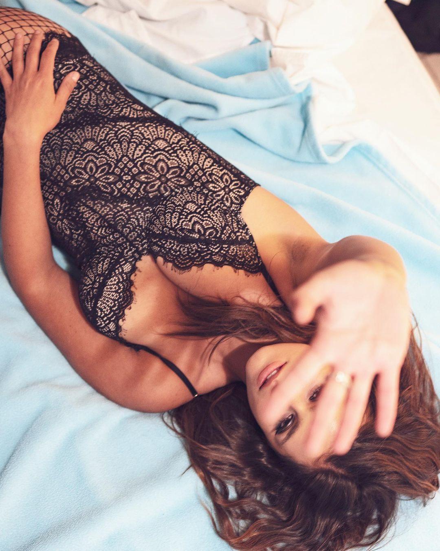 Jacquie Lee Sexy Pics
