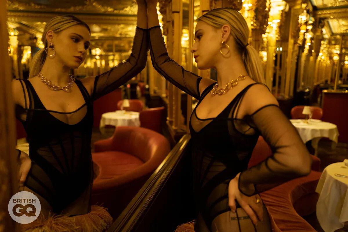 Maria Bakalova Sexy Pics