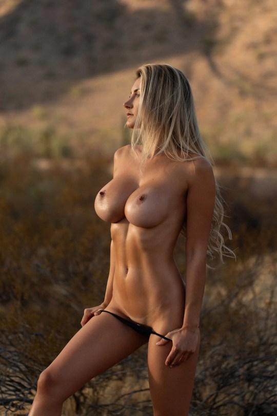 Polina Aura Naked