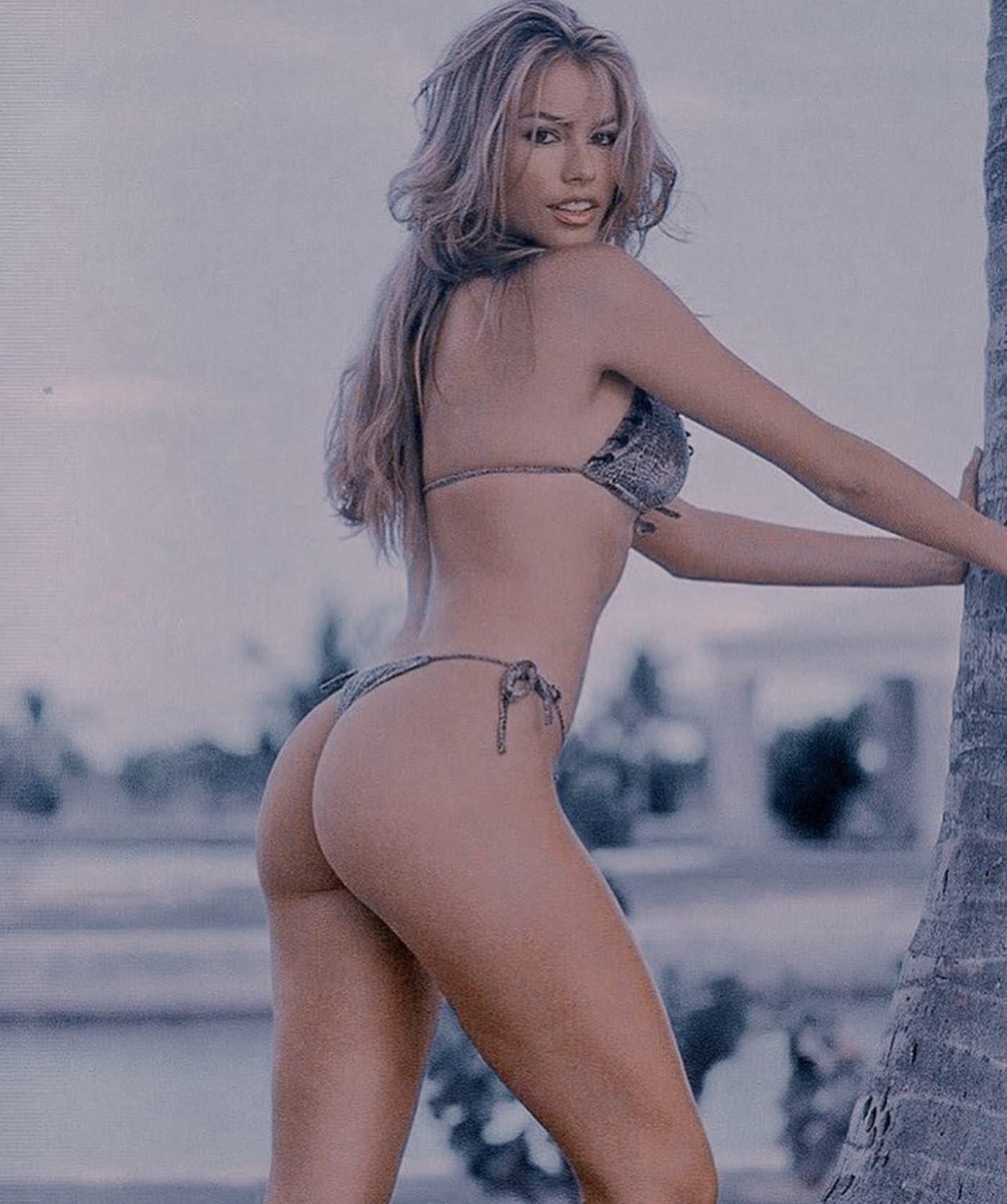 Sofia Vergara Stunning In Bikini