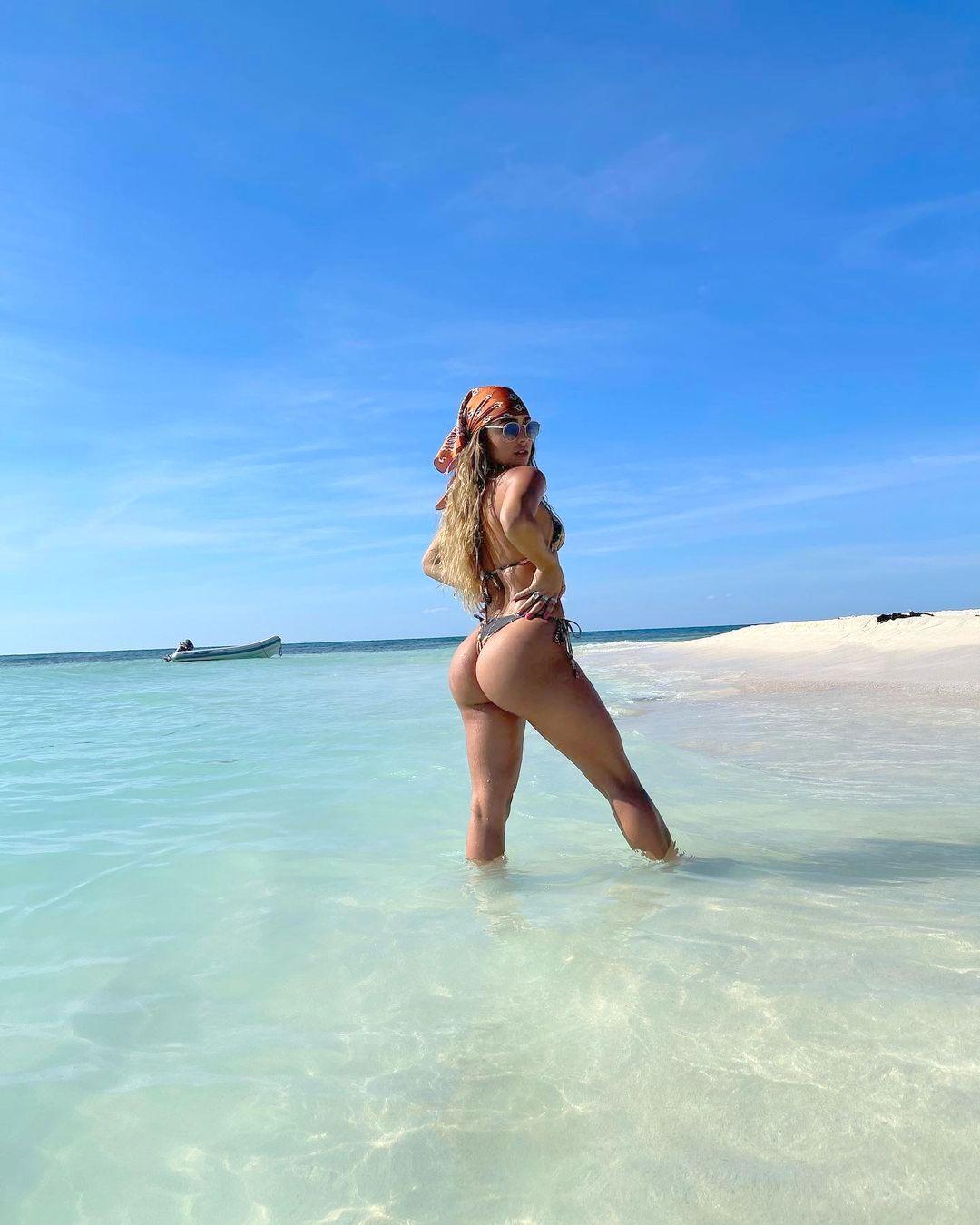 Sommer Ray In Thong Bikini