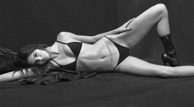 Kendall Jenner – Gorgeous Fit Body in Bikini for V Magazine (Summer 2021)