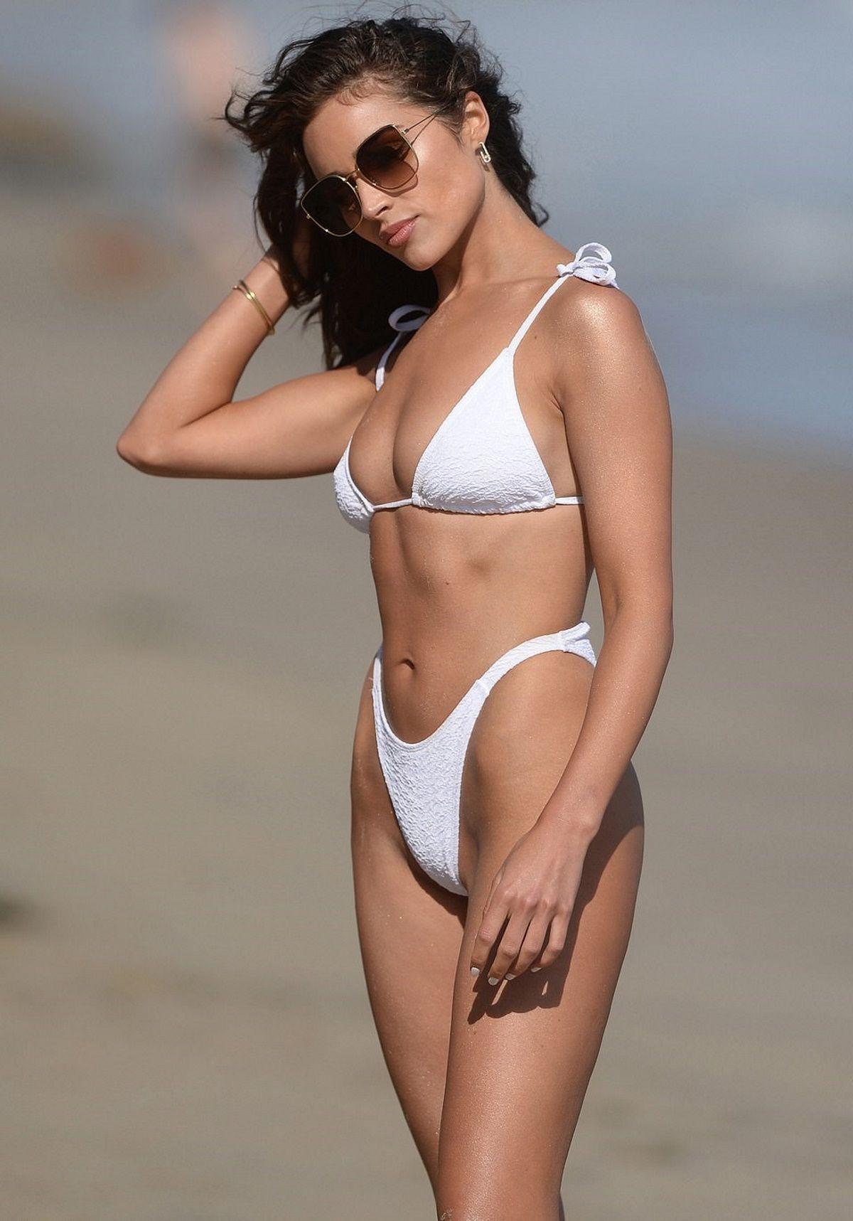 Olivia Culpo Sexy In Bikini