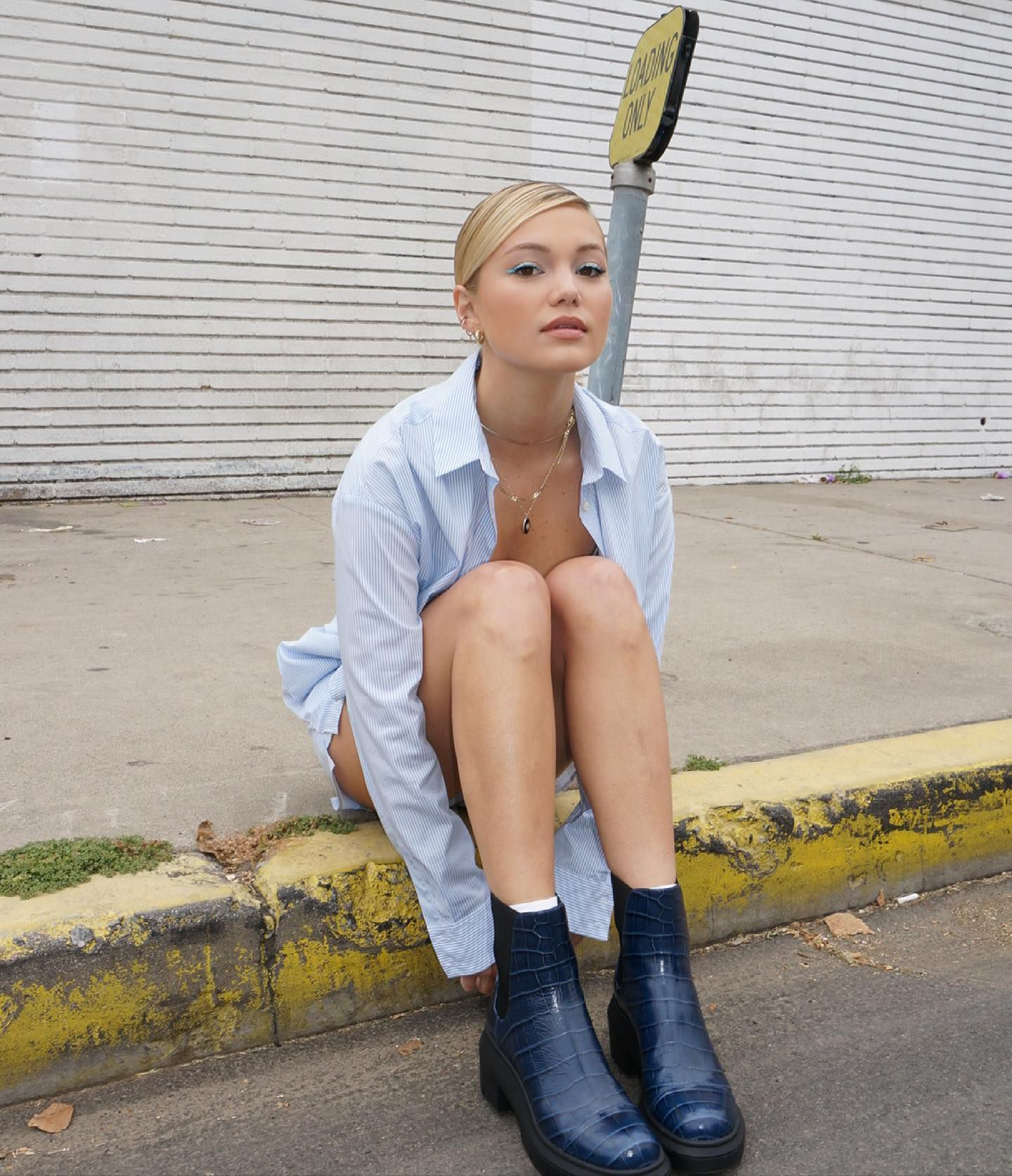 Olivia Holt Beautiful Photoshoot