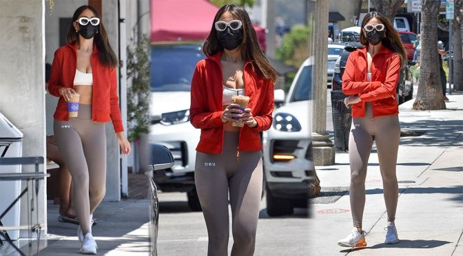 Eiza Gonzalez – Sexy Boobs in Tiny Top at Alfred's in West Hollywood