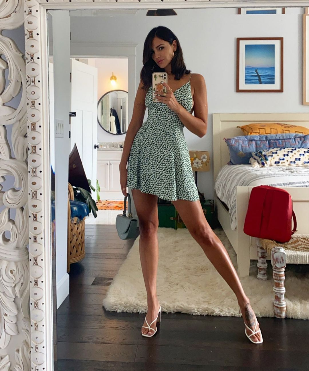 Eiza Gonzalez Sexy Legs