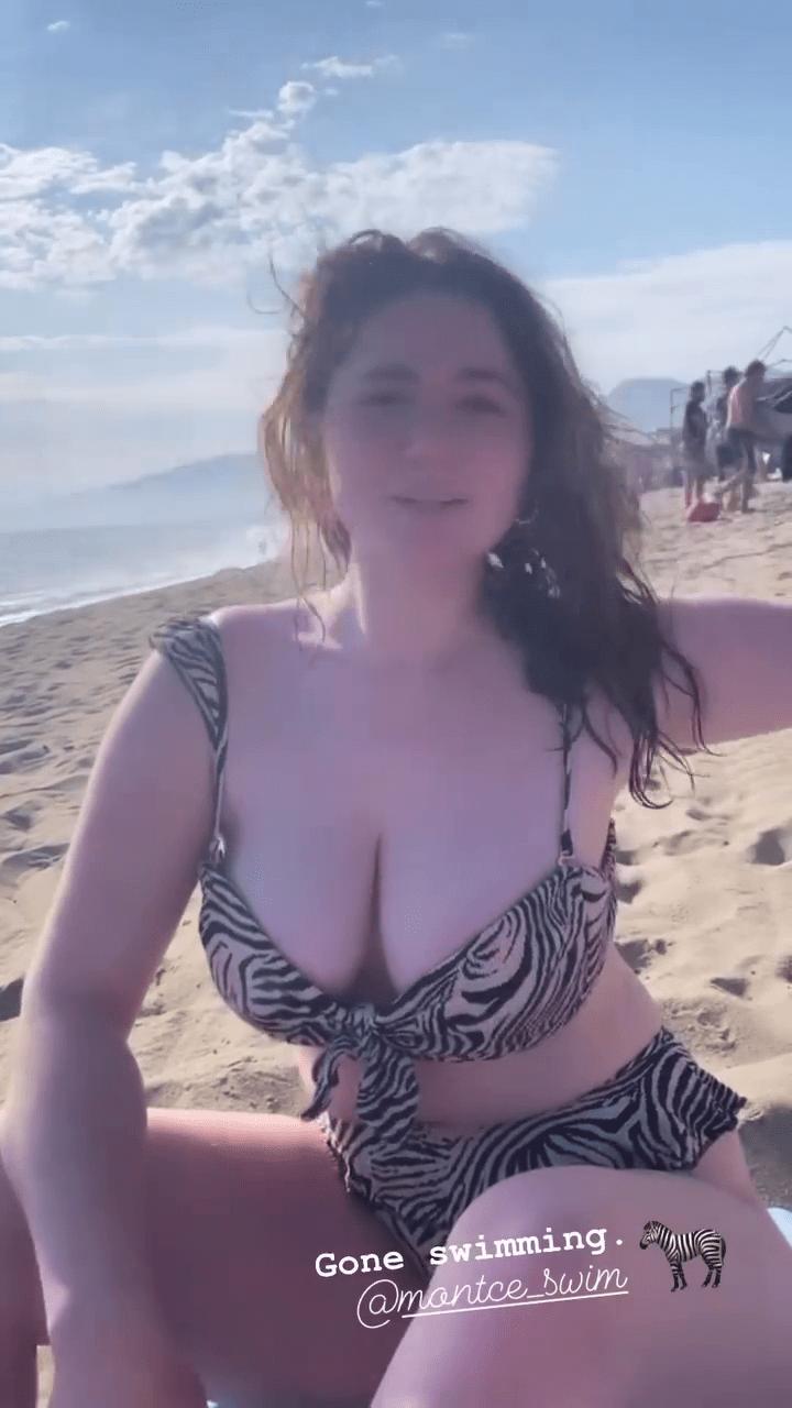Emma Rose Kenney Big Boobs In Bikini