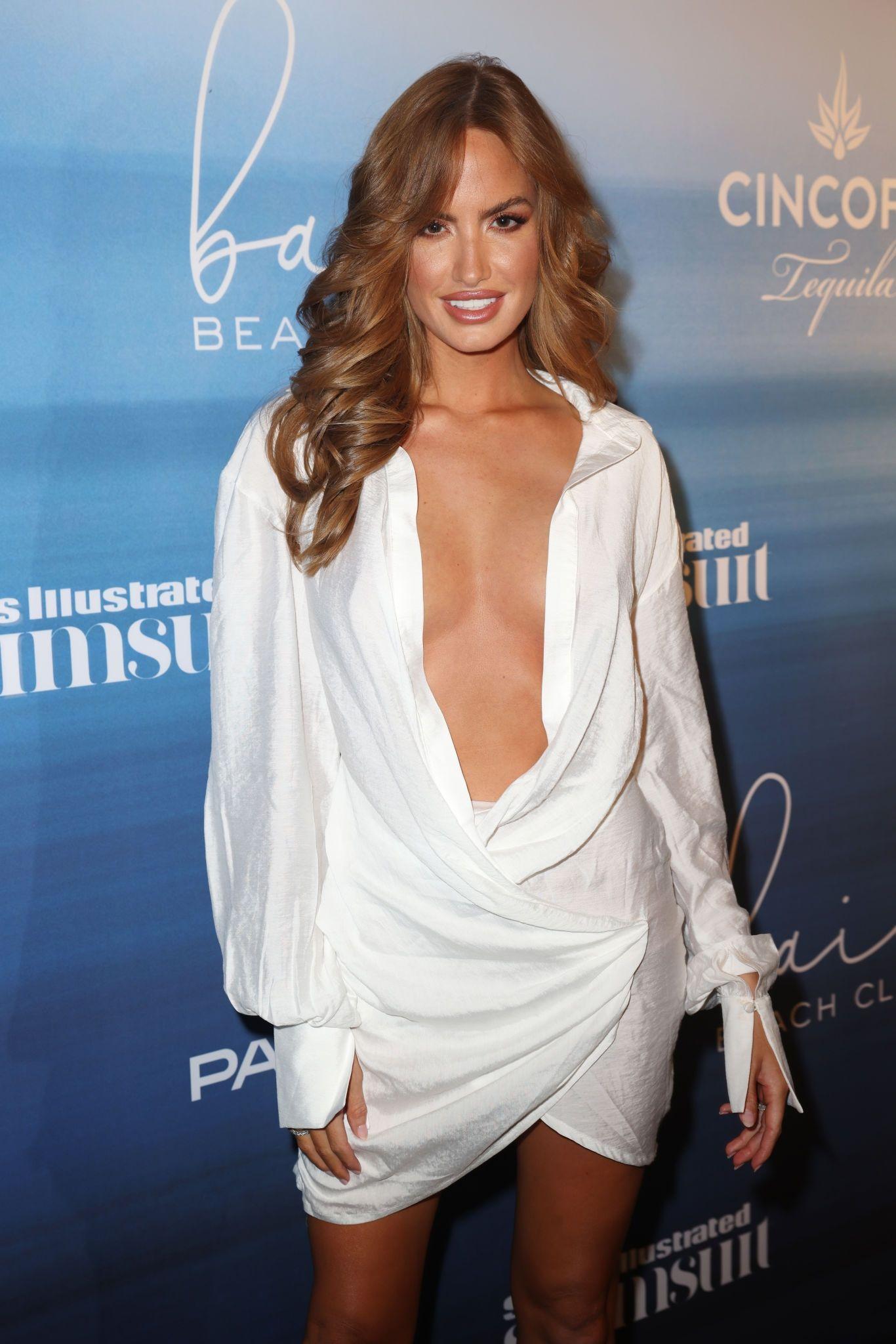 Haley Kalil Beautiful Body