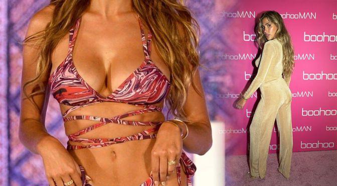 "Kara Del Toro – Fantastic Boobs at ""Boohoo"" Fashion Show in Miami Beach"
