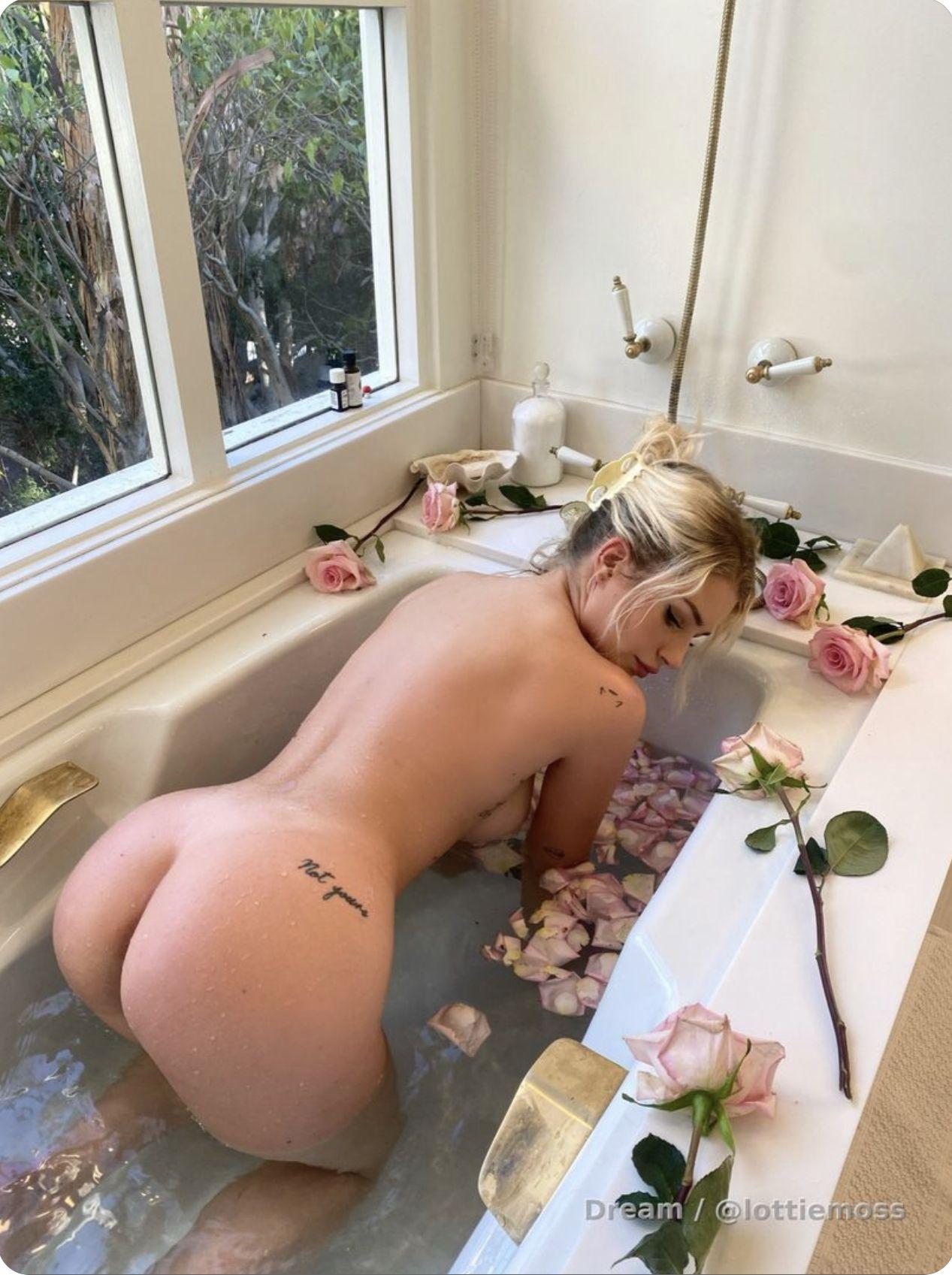 Lottie Moss Naked In Bath