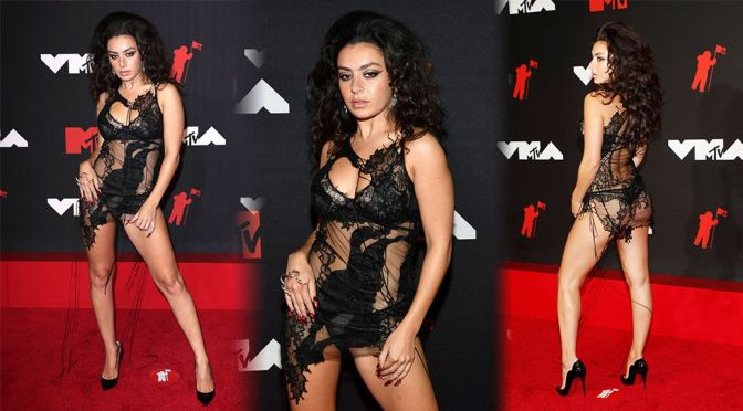 Charli XCX – Sexy Legs and As at 2021 MTV Video Music Awards in New York