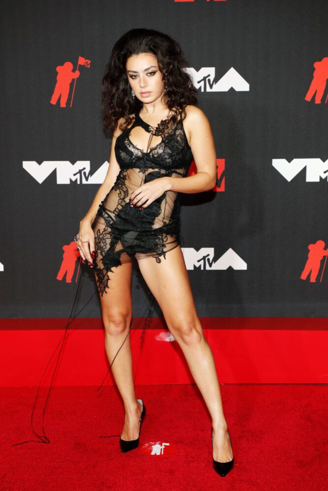 Charli Xcx Sexy Legs And Ass