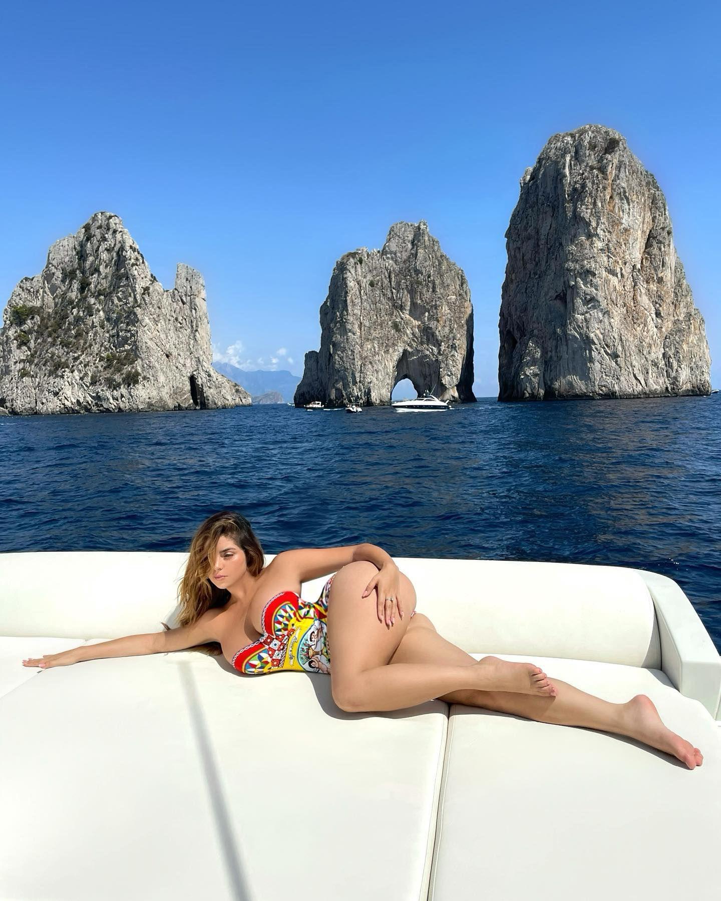 Demi Rose Mawby Huge Nude Ass