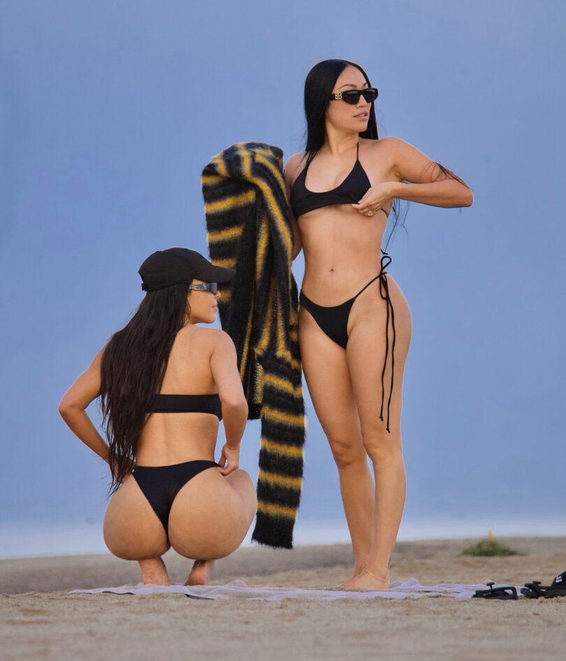 Kim Kardashian Huge Ass In Thong Bikini