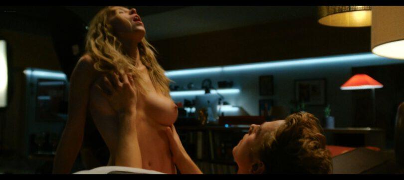 The Voyeurs Topless Caps
