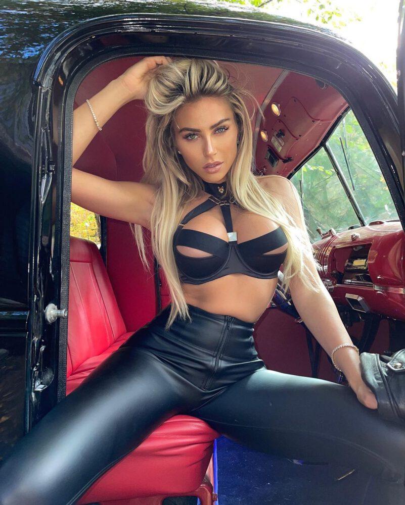 Khloe Terae Sexy Body