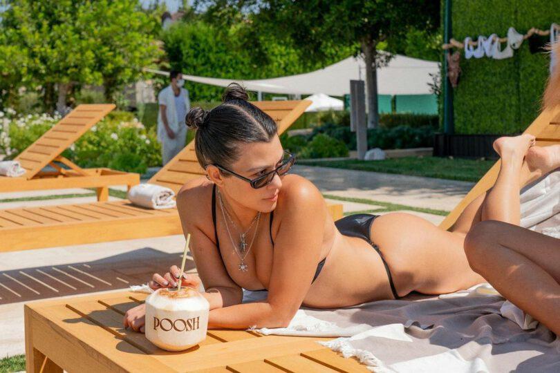 Kourtney Kardashain Beautiful In Bikini